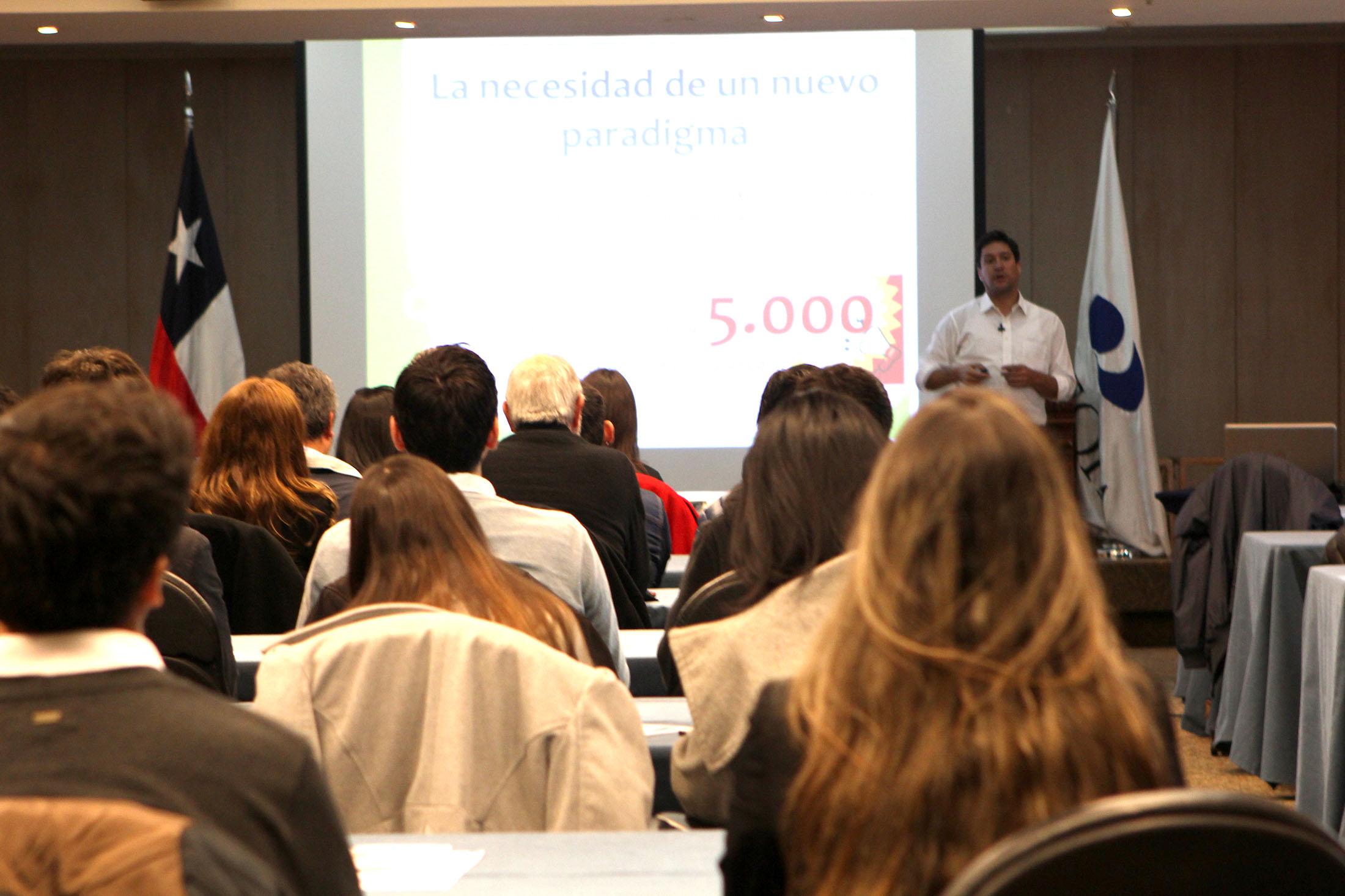 Foto 1. Juan Pablo Rodríguez CEO Latam de Eyeonmedia/Tobii, empresa sueca líder mundial en Neuromarketing fue el conferencista de esta sesión.
