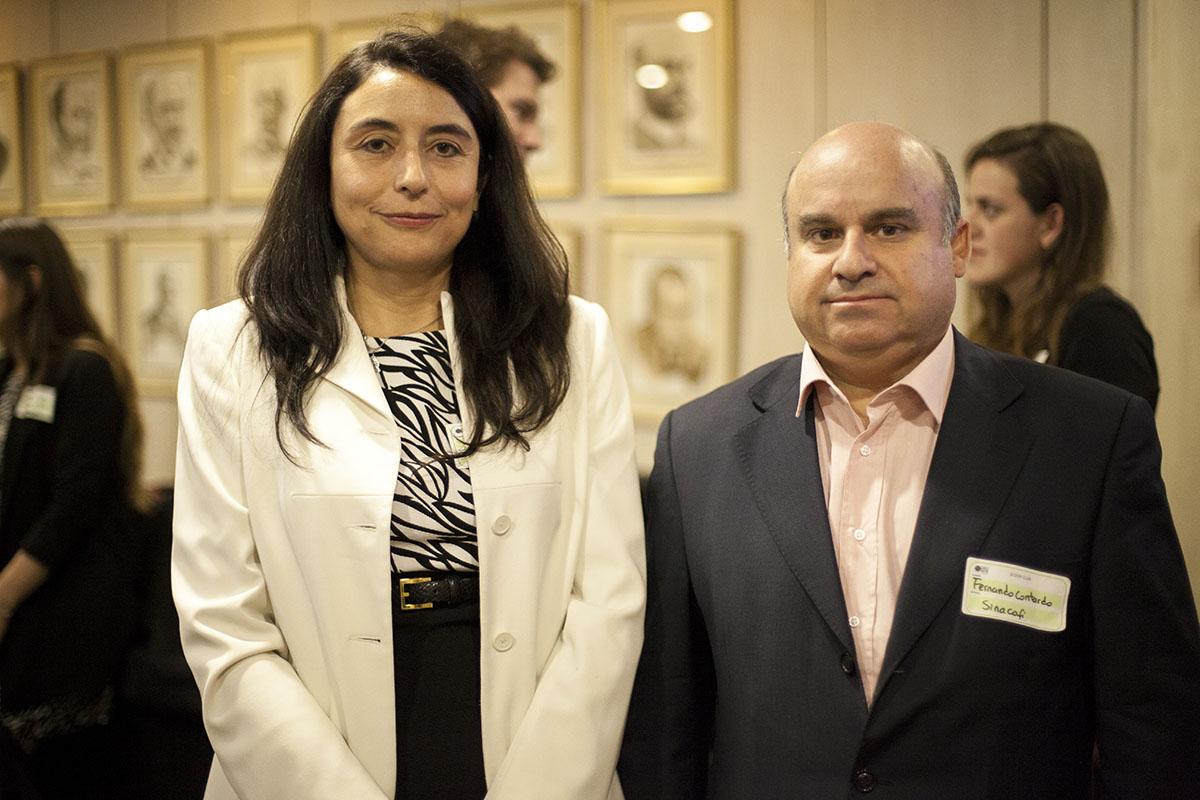 Foto 6 (Izq-Der) Ingrid Barahona, Gerente de Negocios y Fernando Contardo, Gerente General Sinacofi.