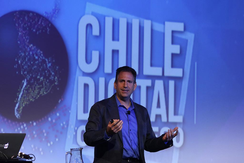 Bryan Eisenberg (USA) Experto en Big Data, en Seminario Internacional